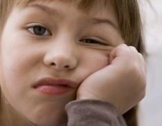 kind-unmotiviert-zum-lernen